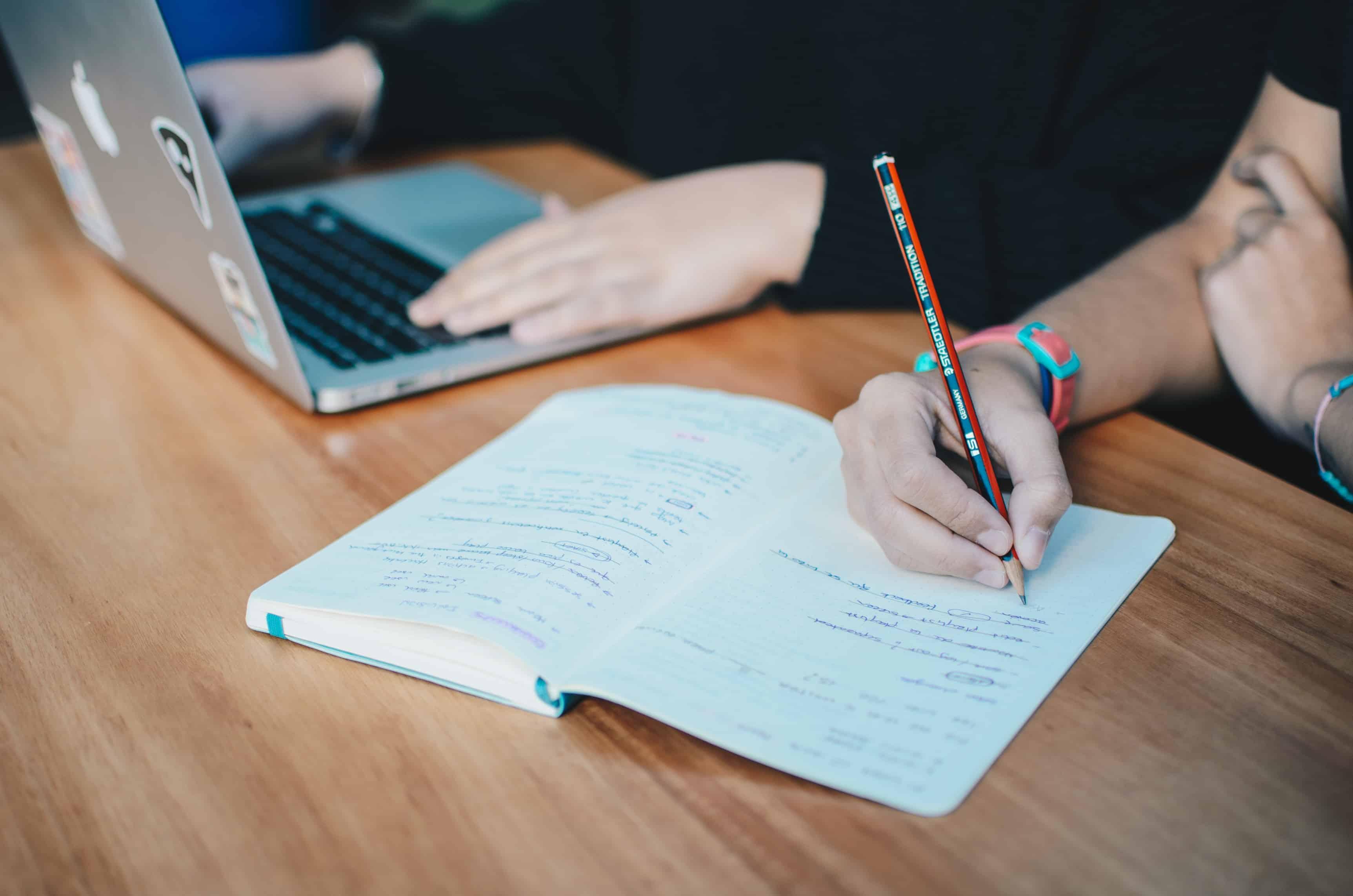 PTT多益版:高手的多益書單、準備方法全解析